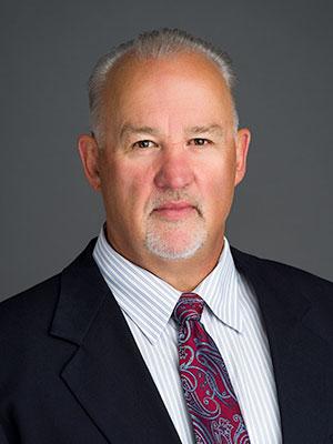 abogado Thomas J. Murphy